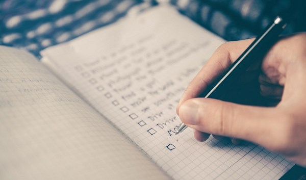 Checklist notepad and pen