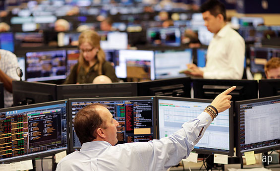 trading floor, AIM stocks, selling shares, SIPPs, UK stocks