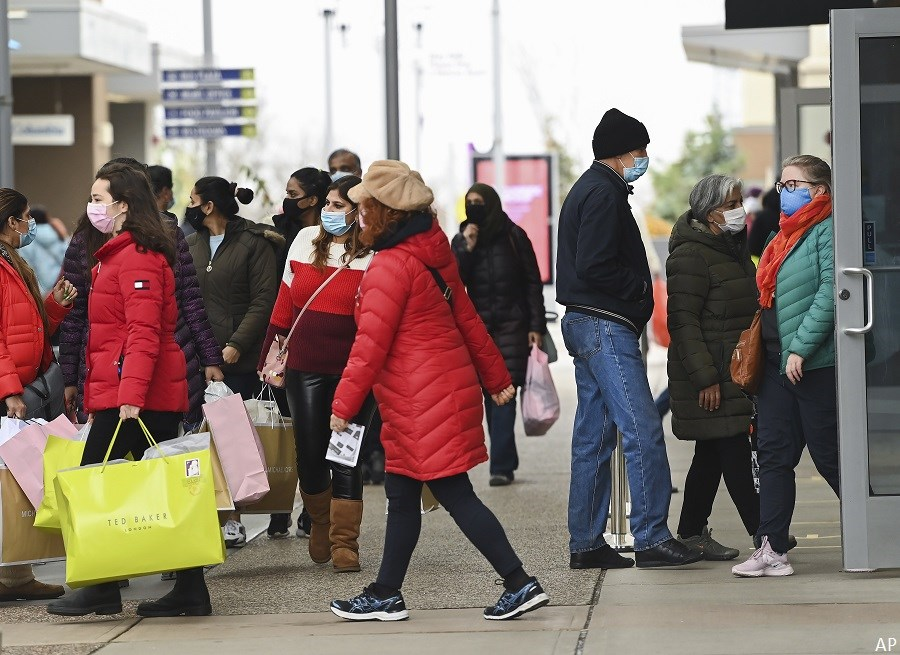 Shoppers in Toronto
