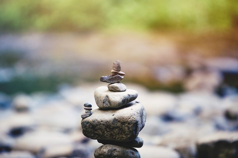 Stack of rocks 800 px