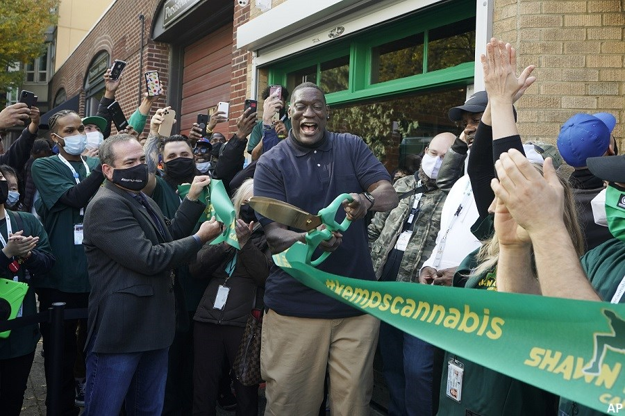 US cannabis dispensary opening day
