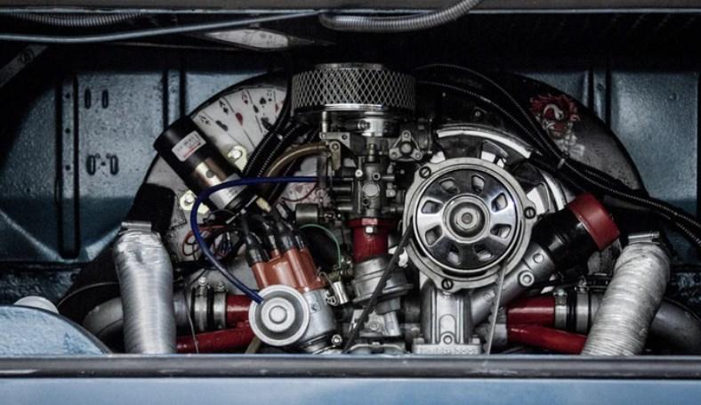 Auto, meglio i costruttori o i fornitori di componenti?