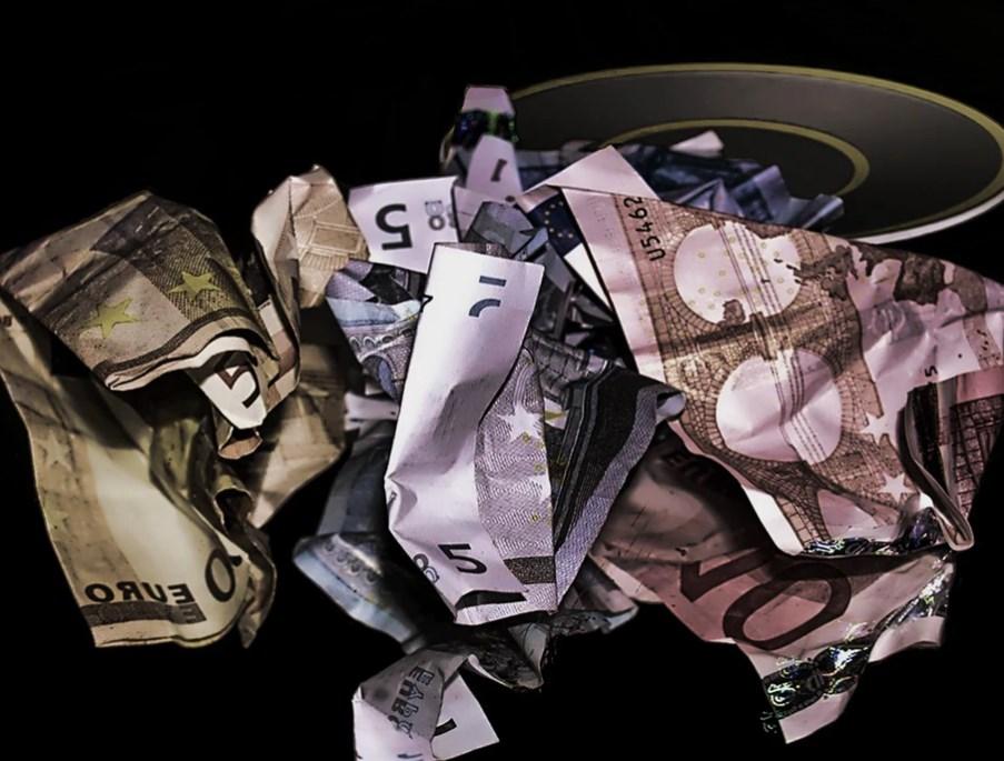 Le Borse europee salgono, ma il quadro macro peggiora