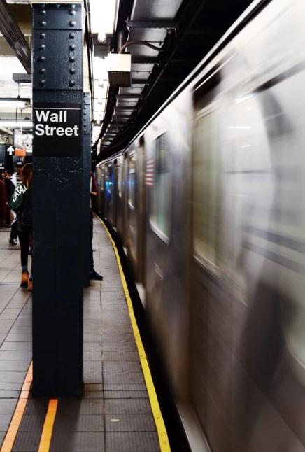 Wall Street corre, i dati macro no