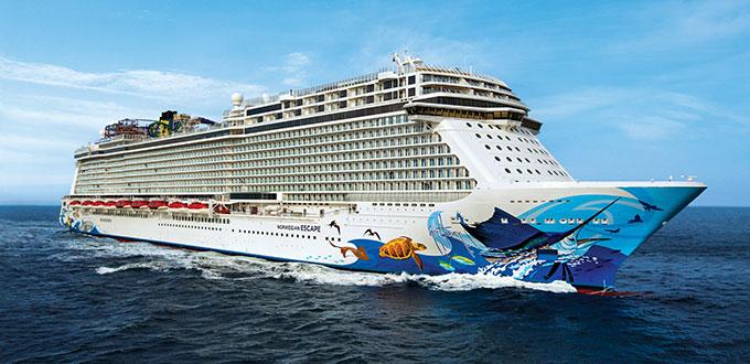 Norwegian cruise lines Escape sea 102015