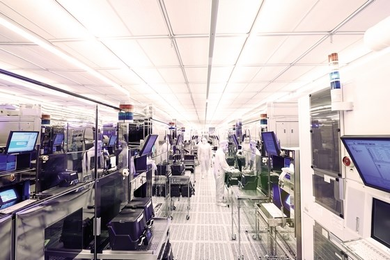 Infineon semiconductor technology fab production 560